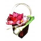 Vase rouge avec Feuille d'orchidé rose