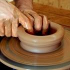 Cours de poterie en entreprise